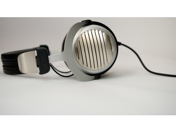 Tai nghe Beyerdynamic DT 990 EDITION - 32 Omh - made in Germany