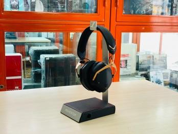 Headphone stand để tai nghe  (hàng trưng bày không còn mới clear stock)