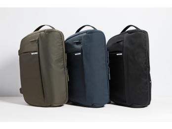 Túi đựng máy ảnh Incase DSLR Sling Pack - Black (CL58067) (share,comment page Loa.vn tặng tai nghe true wireless Cowon)